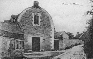 Carte postale de l'ancienne mairie de Verson